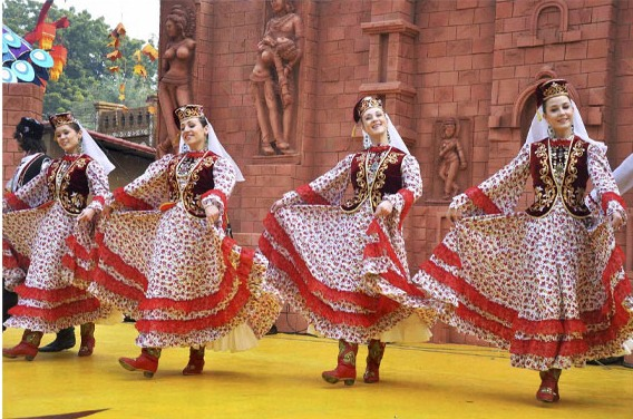 Surajkund mela dance performance